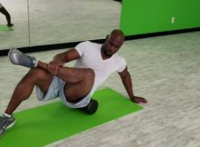 how to foam roll the glutes